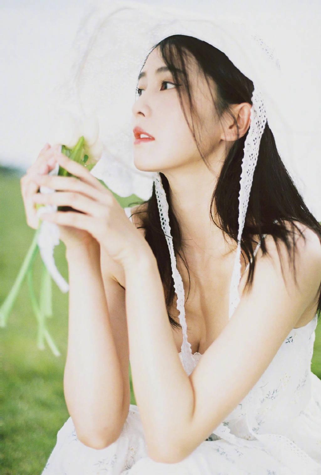 Bạch Lộc hóa 'nai trắng', khoe vẻ đẹp tinh khôi trong bộ ảnh mới 4