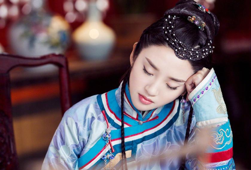 ستارگان Duong Mi و Cbiz نقش