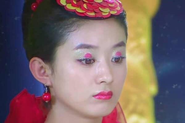Những tạo hình cổ trang gây cười nội thương, Lưu Diệc Phi, Quan Hiểu Đồng, Vương Nhất Bác, Đặng Luân cũng không đỡ được 13