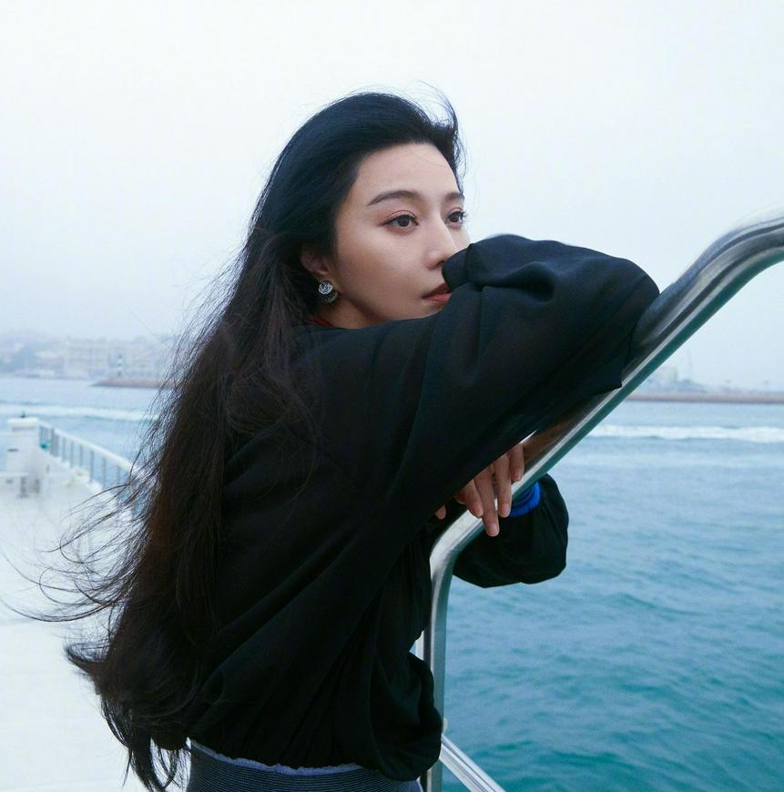 Phạm Băng Băng đẹp xuất thần với tạo hình mỹ nữ Hong Kong, netizen chỉ chú ý đến một điểm kỳ lạ 4