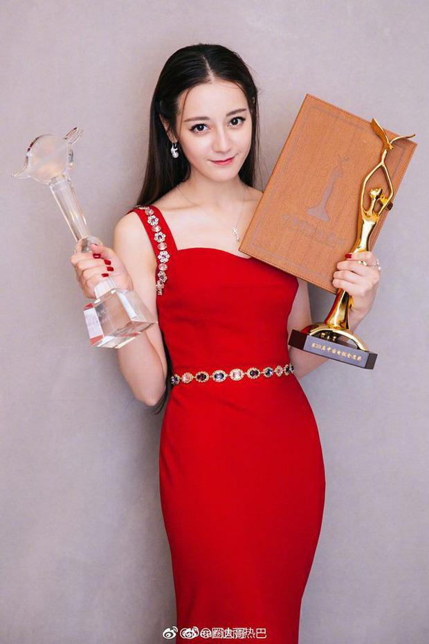 Tới lượt ảnh hậu Châu Đông Vũ, thị hậu Nhiệt Ba, Đồng Dao ngủ không yên giấc 2
