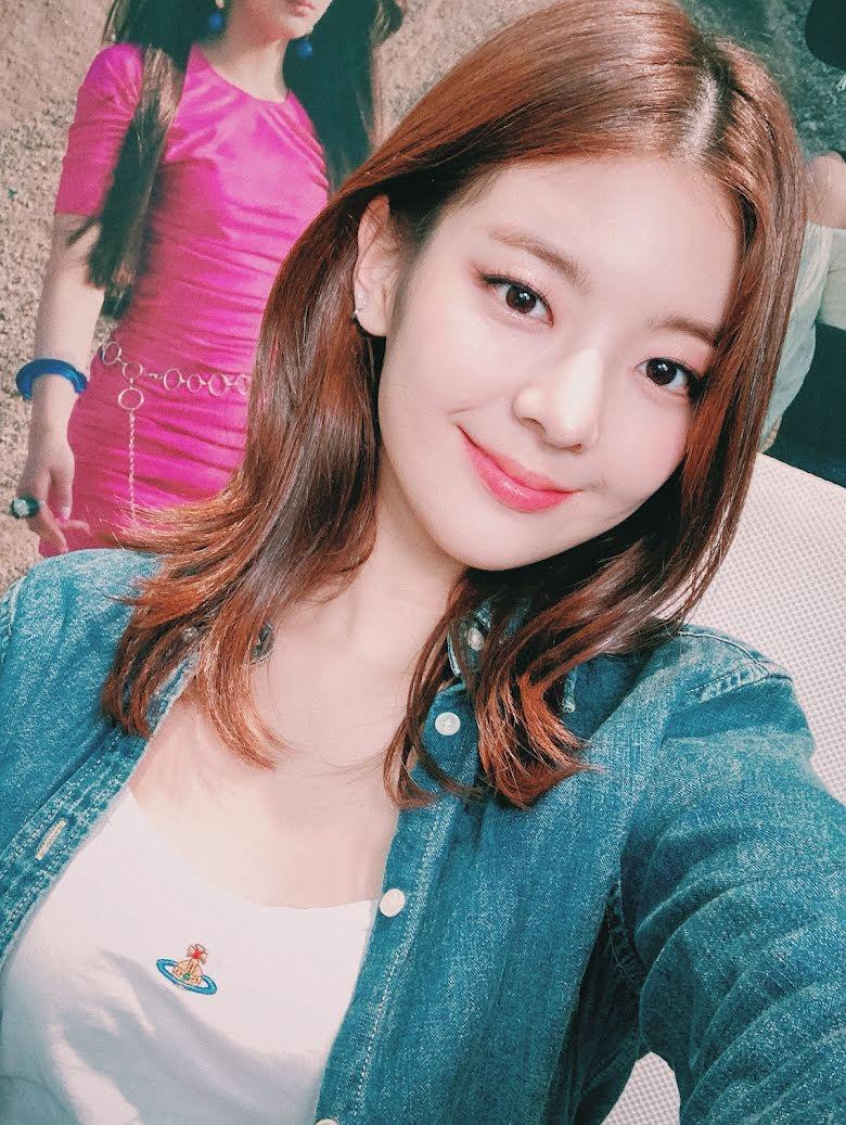10 Idol Kpop sở hữu khuôn mặt lý tưởng, cân mọi kiểu tóc 3