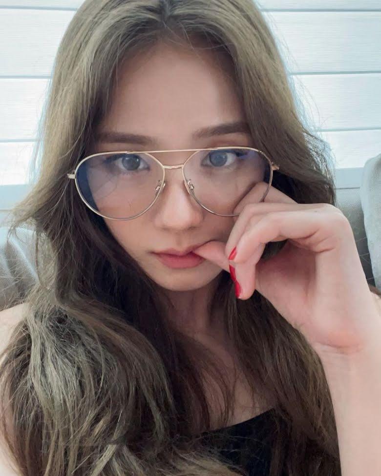 10 Idol Kpop sở hữu khuôn mặt lý tưởng, cân mọi kiểu tóc 8