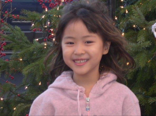 Ảnh thời thơ ấu của Ryujin ITZY khiến netizen mê mẩn vì con nít quỷ mang gương mặt thiên thần 2