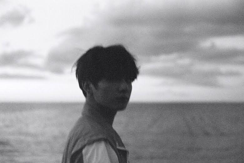 Jungkook (BTS): Từ em út mít ướt trở thành chàng trai trưởng thành 6