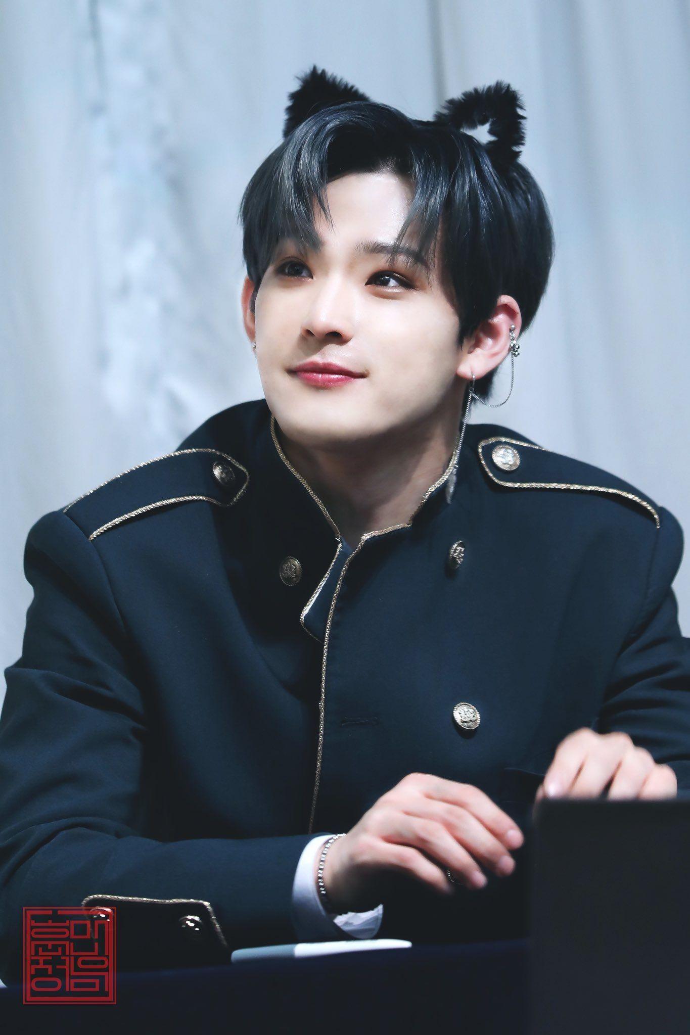 10 nam idol toàn năng nhất Kpop: Hát hay, nhảy đẹp, bắn rap cực đỉnh! 1