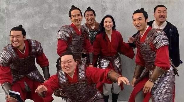 Lưu Diệc Phi đăng ảnh mộc khiến netizen nhớ về thất bại thảm hại của Mulan 2