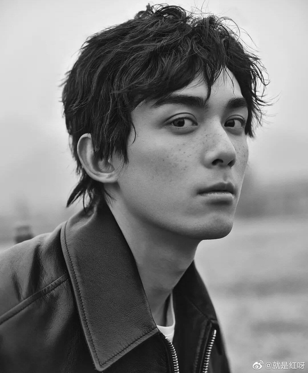 10 mỹ nam Cbiz điểm tàn nhang lên mặt: Nhất Bác quý tộc, Lu Han đẹp phi giới tính nhưng Hứa Khải thì 'xấu đau xấu đớn' 1