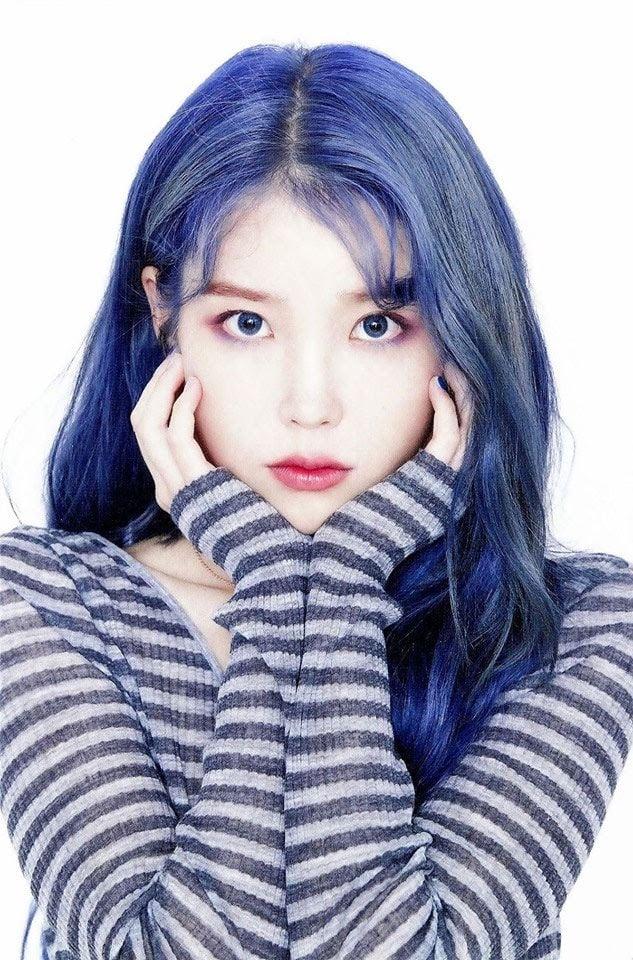 17 idol Kpop đẹp chói chang khi nhuộm tóc màu xanh thiên thanh 8