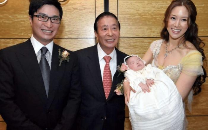 4 cặp vợ chồng giàu nhất Cbiz: Top 1 con vừa chào đời đã có du thuyền làm đồ chơi 4