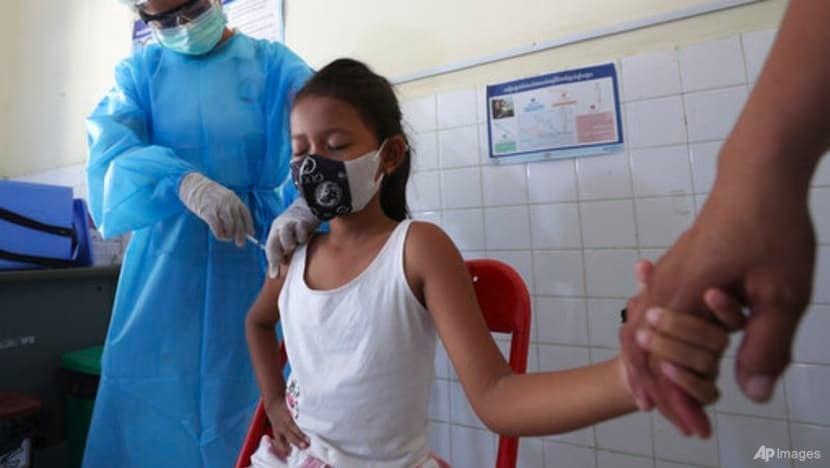 Nước Đông Nam Á đầu tiên mở chiến dịch tiêm chủng Covid-19 cho trẻ em 1