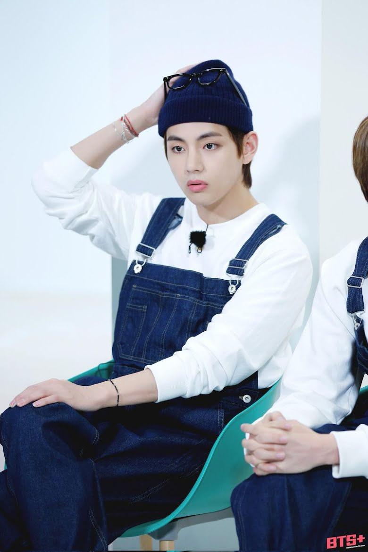 V(BTS) đích thị fan cuồng quần yếm: Thích trẻ trung, đáng yêu hay quyến rũ, gợi cảm anh đều cân đẹp 11