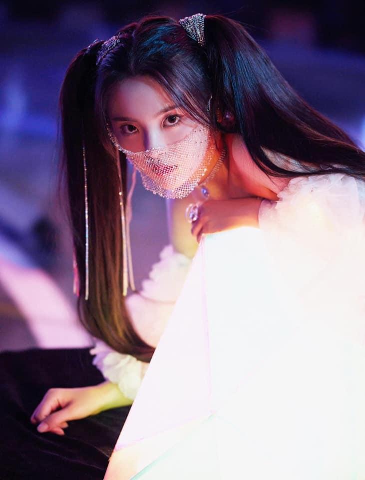 15 mỹ nhân Cbiz để tóc 2 chùm: Dương Mịch tựa nữ thần, Lệ Dĩnh như Maleficent 15