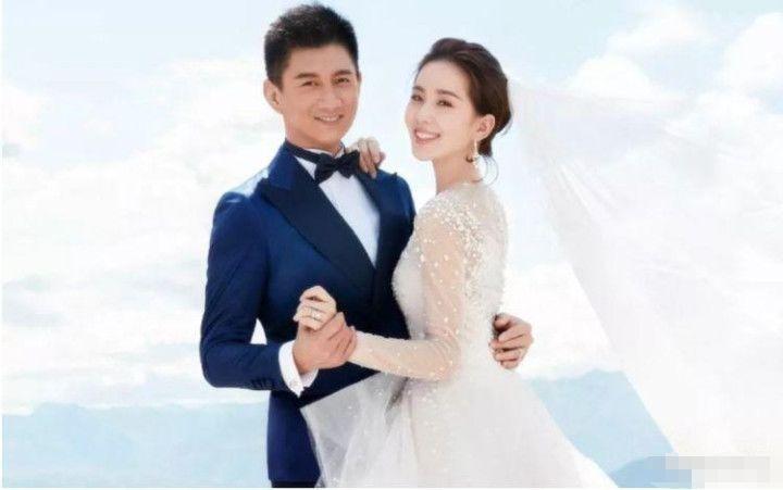 Sao Hoa ngữ mừng cưới: Người bỏ phong bì thu nhập cả năm, kẻ gửi mỗi chăn bông chúc mừng 4