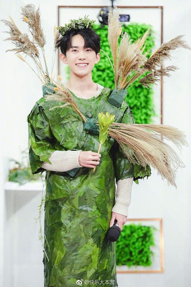 12 trai đẹp Cbiz cầm hoa tỏ tình, chàng trai nào khiến bạn gật đầu nguyện ý? 23
