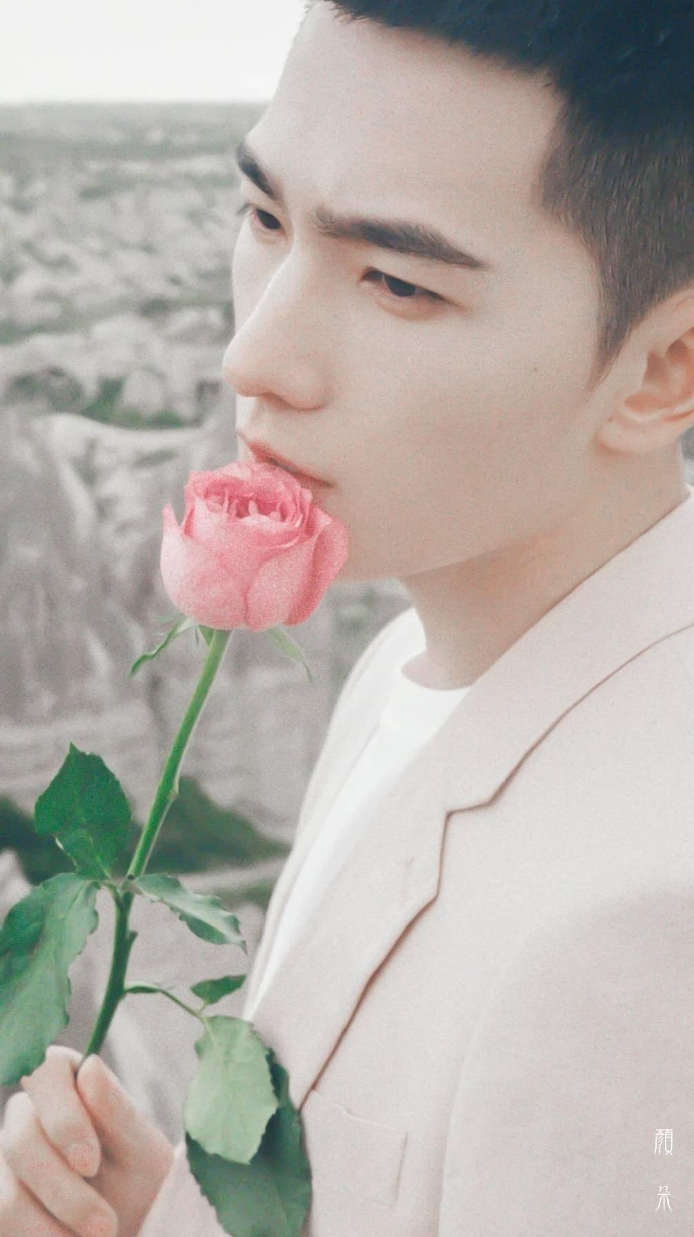 12 trai đẹp Cbiz cầm hoa tỏ tình, chàng trai nào khiến bạn gật đầu nguyện ý? 5