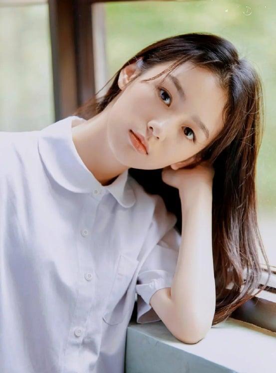 8 mỹ nhân Cbiz sinh ra ở Tứ Xuyên: Cúc Tịnh Y, Triệu Lộ Tư nhan sắc 'vàng 10' nhưng kỹ năng còn thua xa các đàn chị 2