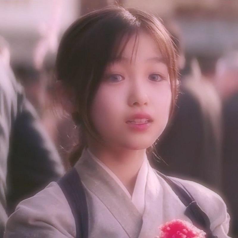 'Tiên tỷ' Lưu Diệc Phi cùng 'mợ chảnh' Jun Ji Hyun lọt top những mỹ nhân băng thanh ngọc khiết, không vướng bụi trần 2