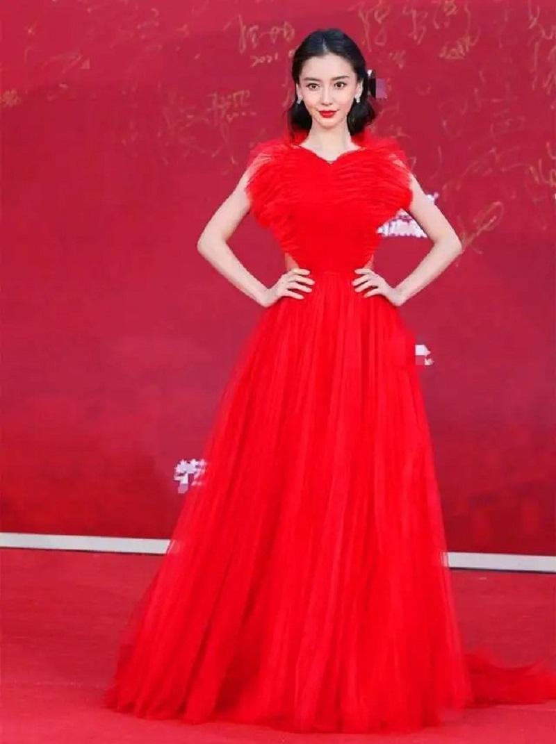 6 mỹ nhân Hoa ngữ luân phiên giữ vương miện 'nữ hoàng thảm đỏ' Cbiz 3