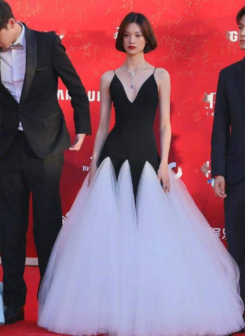 6 mỹ nhân Hoa ngữ luân phiên giữ vương miện 'nữ hoàng thảm đỏ' Cbiz 1