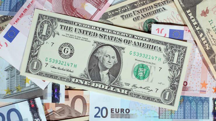 Tỷ giá USD hôm nay ngày 15/10: USD xả hơi sau nhiều ngày lên dựng đứng 1