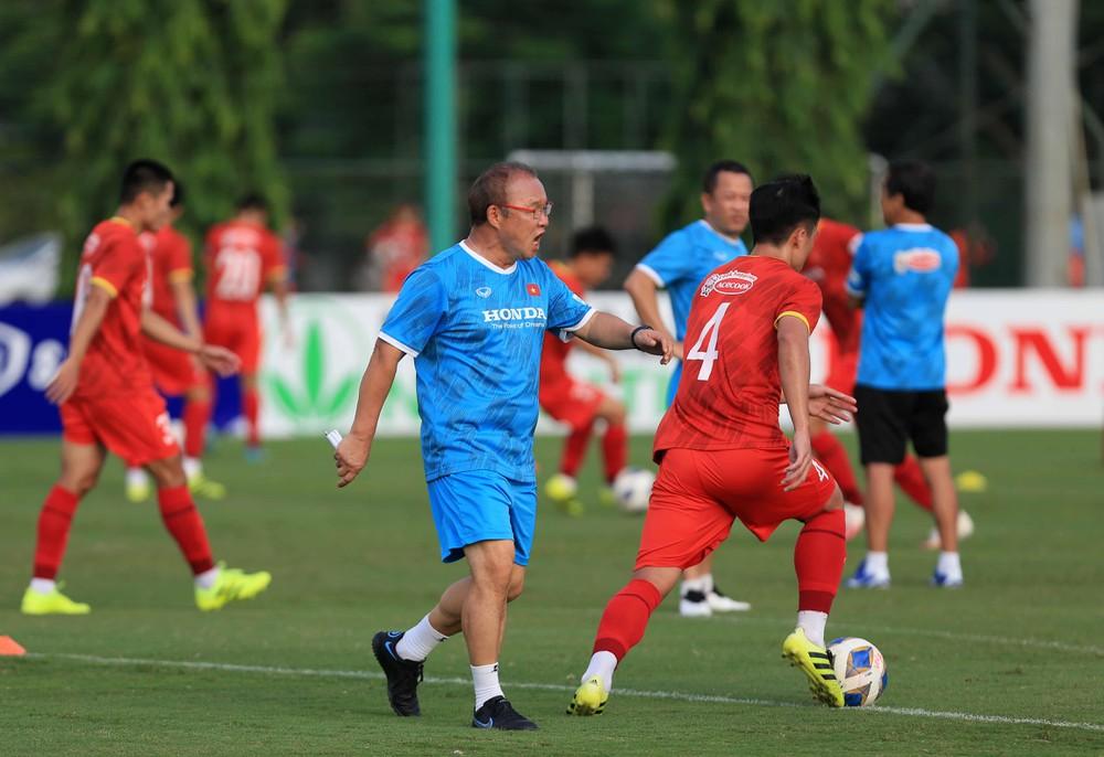 Trung Quốc ra 'yêu sách' thành công với AFC, ĐT Việt Nam phải ra sân giờ nửa đêm 1