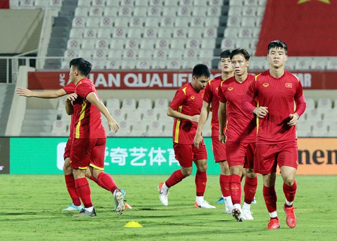 Trung vệ Đỗ Duy Mạnh: 'Trung Quốc mạnh thật đấy, nhưng có điểm yếu' 2