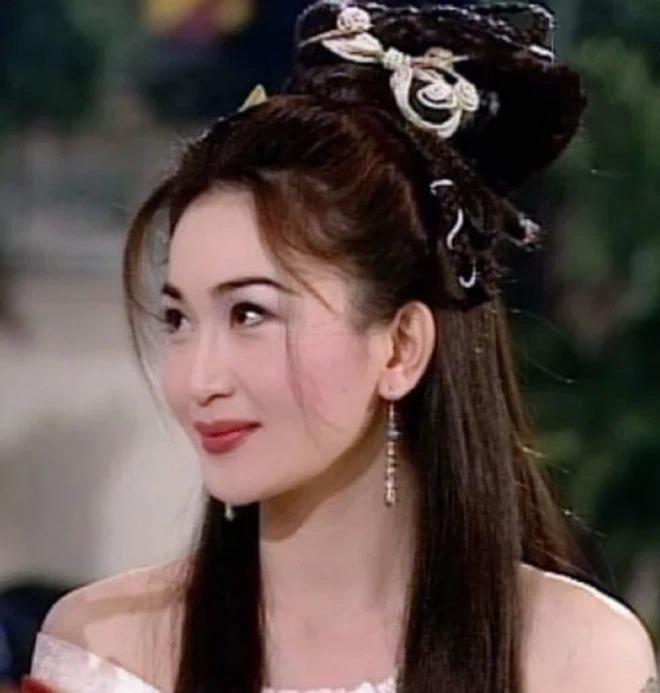 10 mỹ nhân cổ trang xứ Trung đẹp nhất mọi thời đại: Dương Mịch, Châu Tấn chiếm 'hết phần thiên hạ' 11