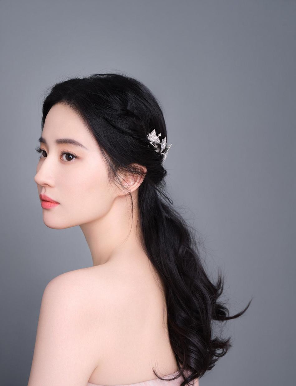 8 mỹ nhân Hoa ngữ hóa đọ sắc cực dễ thương với kiểu tóc búi, mỗi người một vẻ mười phân vẹn mười 2