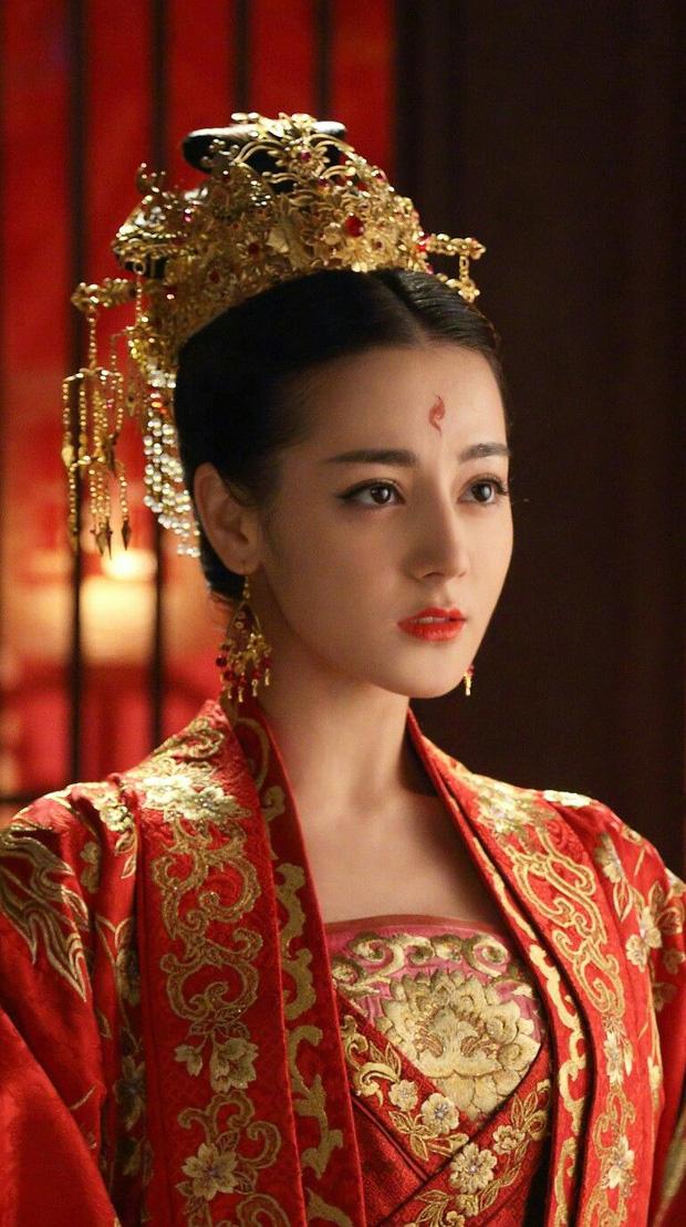 Sao Trung đọ sắc với cổ phục: Dương Mịch đẹp đến nao lòng, Nhiệt Ba trên cả xuất sắc, Châu Tấn đúng 'thành lũy' 3