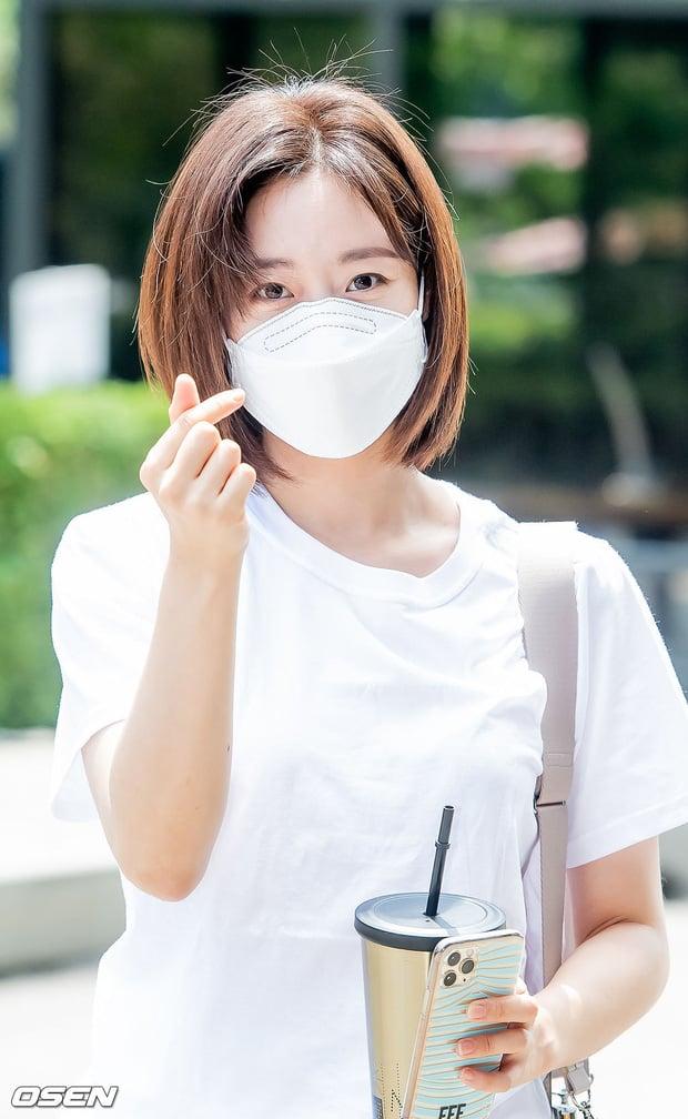 Dàn sao Hàn nô nức đến đài truyền hình: Lee Kwang Soo cực soái tựa Lee Min Ho, người đẹp T-ara gây bão 6