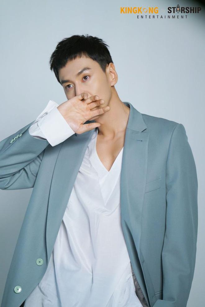 Lee Kwang Soo chính thức lên tiếng về tin đồn 'đập đi xây lại' cả mặt hậu rời Running Man 5