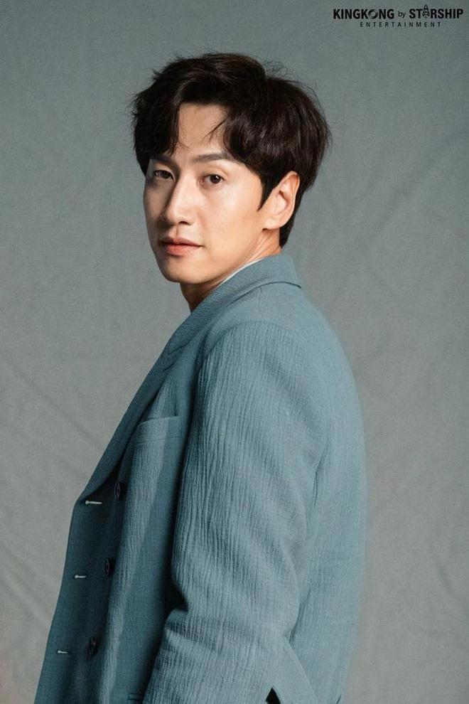 Lee Kwang Soo chính thức lên tiếng về tin đồn 'đập đi xây lại' cả mặt hậu rời Running Man 1