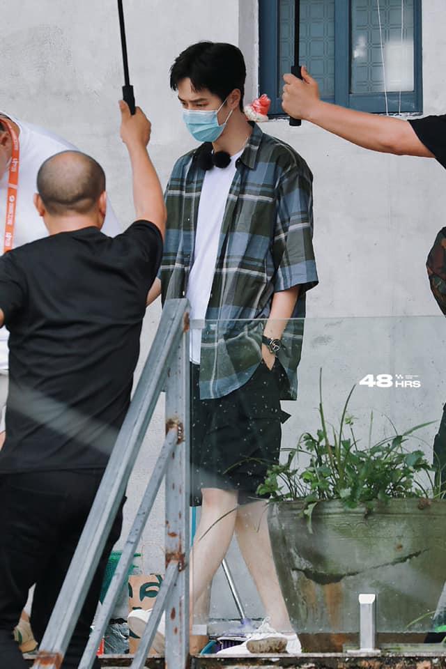 Visual của Vương Nhất Bác điên đảo đến mức khiến staff và fan 'gà bay chó sủa' tại Thiên Thiên Hướng Thượng 3