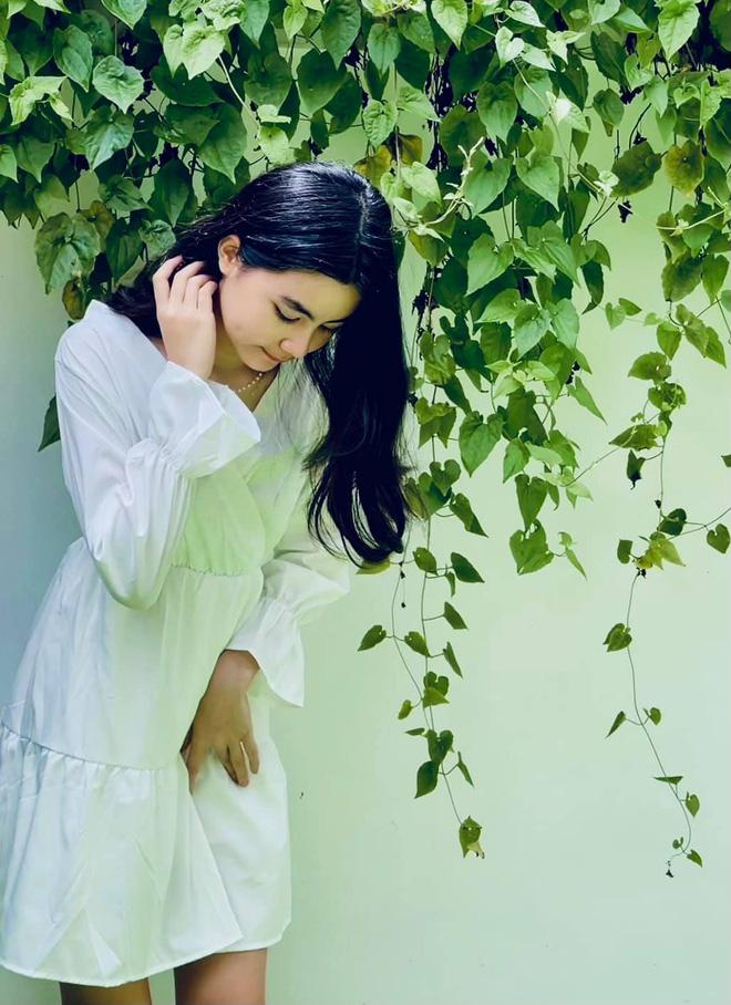 Cô út nhà MC Quyền Linh bùng nổ nhan sắc trong bộ ảnh sinh nhật, mới 13 tuổi đã bộc lộ nhiều tố chất hoa hậu 5