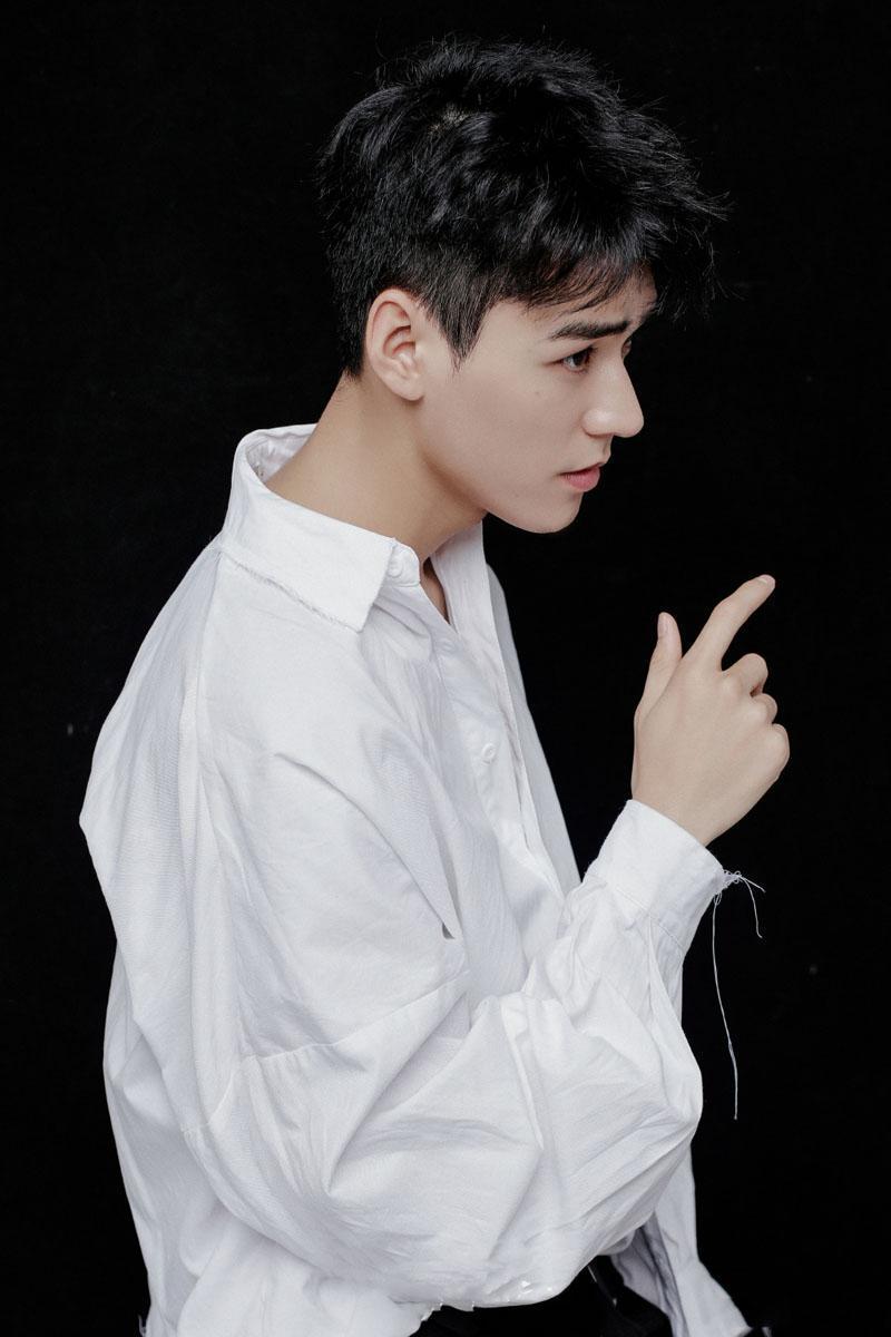 5 mỹ nam Hoa ngữ 'bên ngoài đẹp trai - bên trong lắm tài' khiến fan nữ u mê quên lối về 6