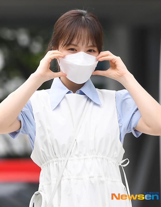 Dàn mỹ nhân Hàn đọ dáng khi đi làm: Wendy (Red Velvet) như tạc tượng lấn át cả 'thánh' Mijoo 4