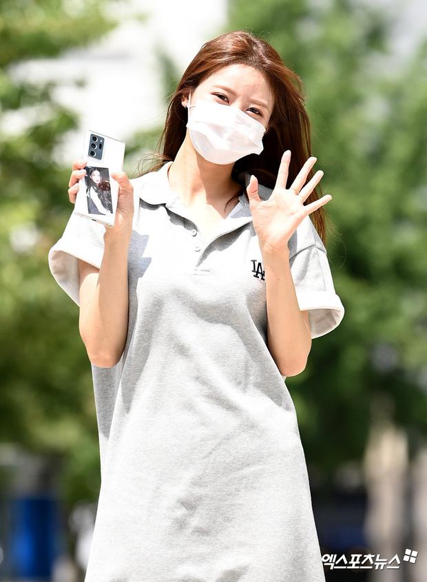 Dàn mỹ nhân Hàn đọ dáng khi đi làm: Wendy (Red Velvet) như tạc tượng lấn át cả 'thánh' Mijoo 7