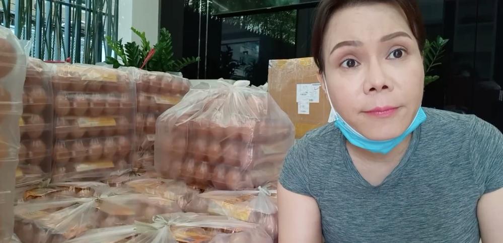 Việt Hương lên tiếng khi bị chỉ trích tặng xe từ thiện mà phân biệt giá 2