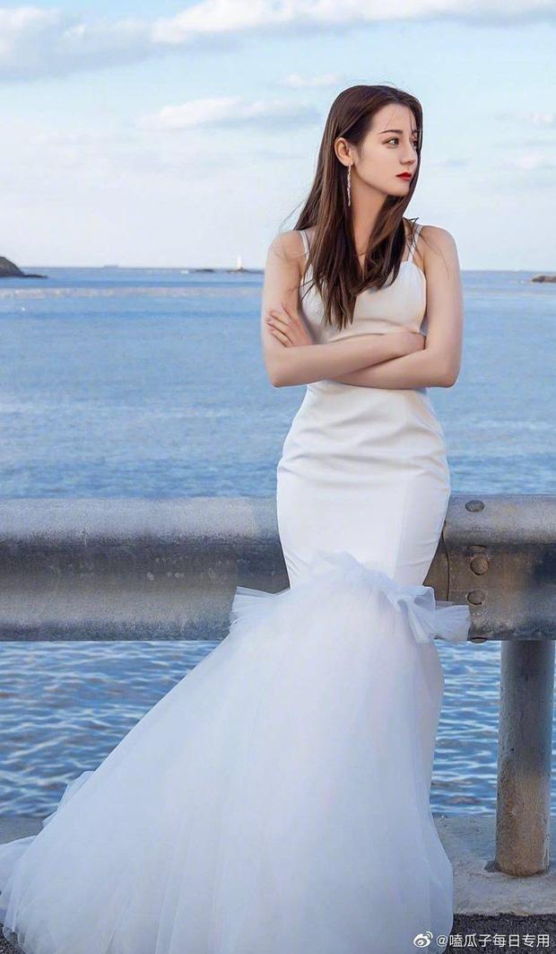 Nữ thần Cbiz khoe visual nức nở trong váy cưới: Nhiệt Ba, Tịnh Y đẹp 'nhức nách', Dương Mịch bỏ bùa Cnet 5
