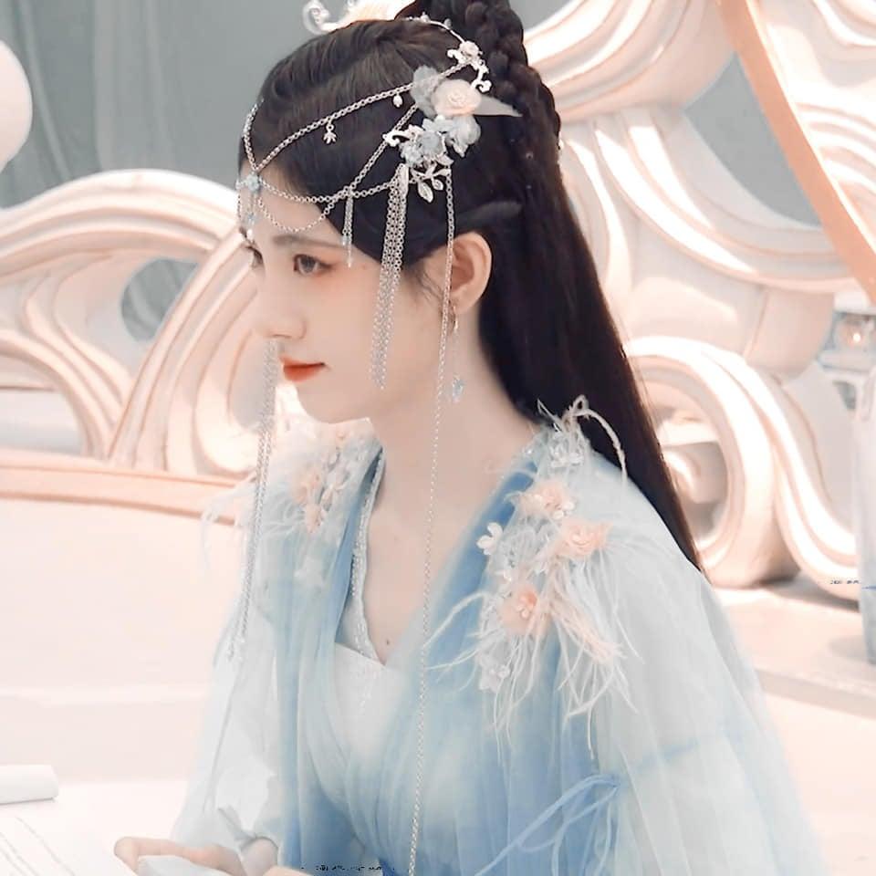 Cúc Tịnh Y khoe visual 'quốc sắc thiên hương' trong Hoa Nhung, nhưng kiểu makeup lại khiến Cnet choáng nặng 4