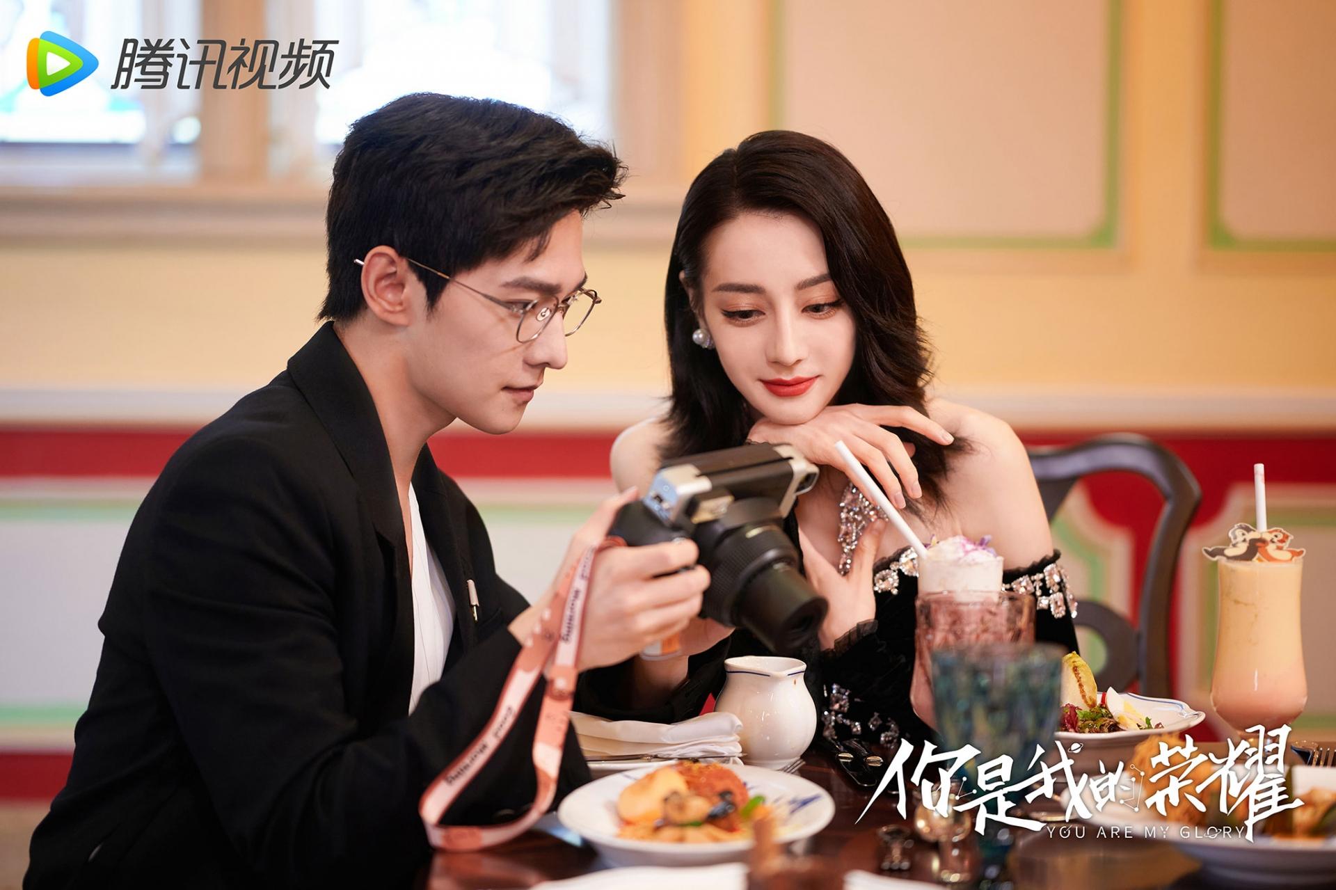 Địch Lệ Nhiệt Ba tái hợp Dương Dương trong phim mới, duyên màn ảnh 'không muốn' cũng khó dứt 5