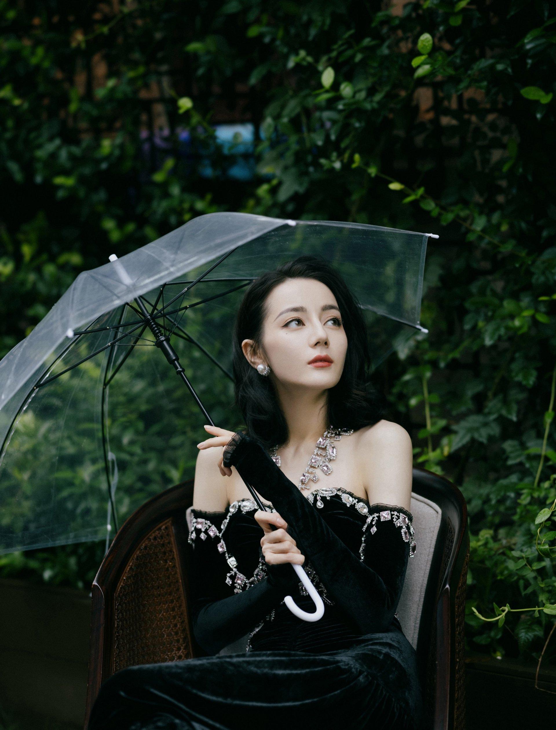 Địch Lệ Nhiệt Ba tái hợp Dương Dương trong phim mới, duyên màn ảnh 'không muốn' cũng khó dứt 1
