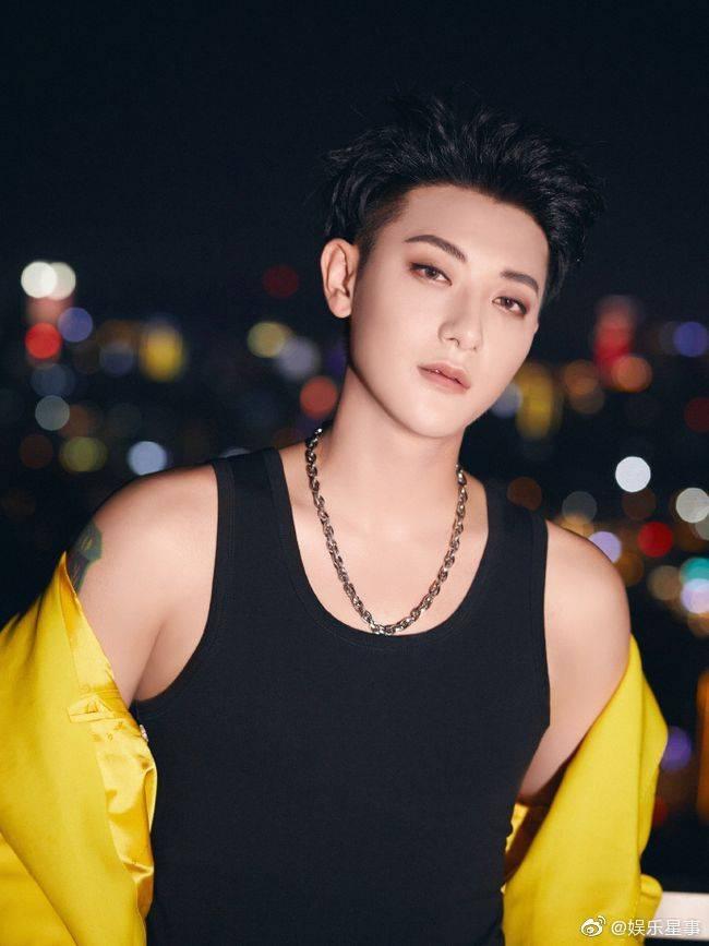 Bị chê ẻo lả, Hoàng Tử Thao nay khiến fangirl 'truyền thái y' vì loạt ảnh khoe sắc vóc quá 'mlem' 4