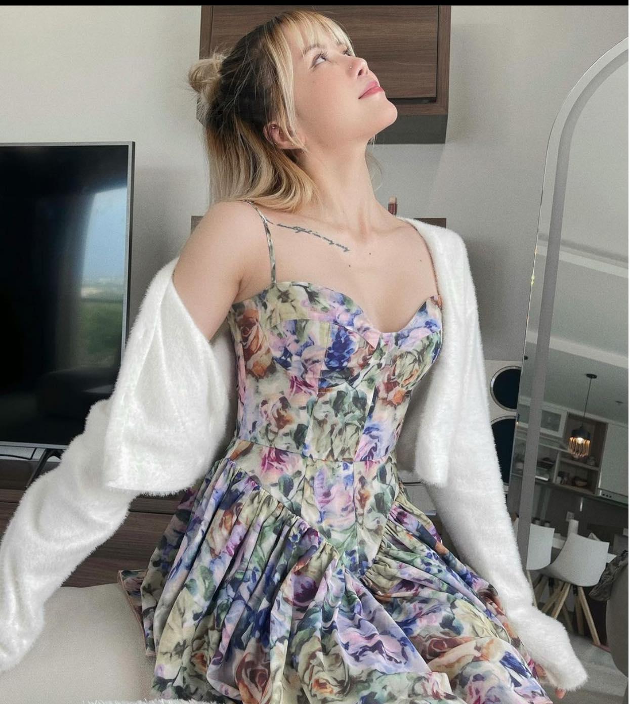 Thiều Bảo Trâm xúng xính váy áo đón thu sang 4