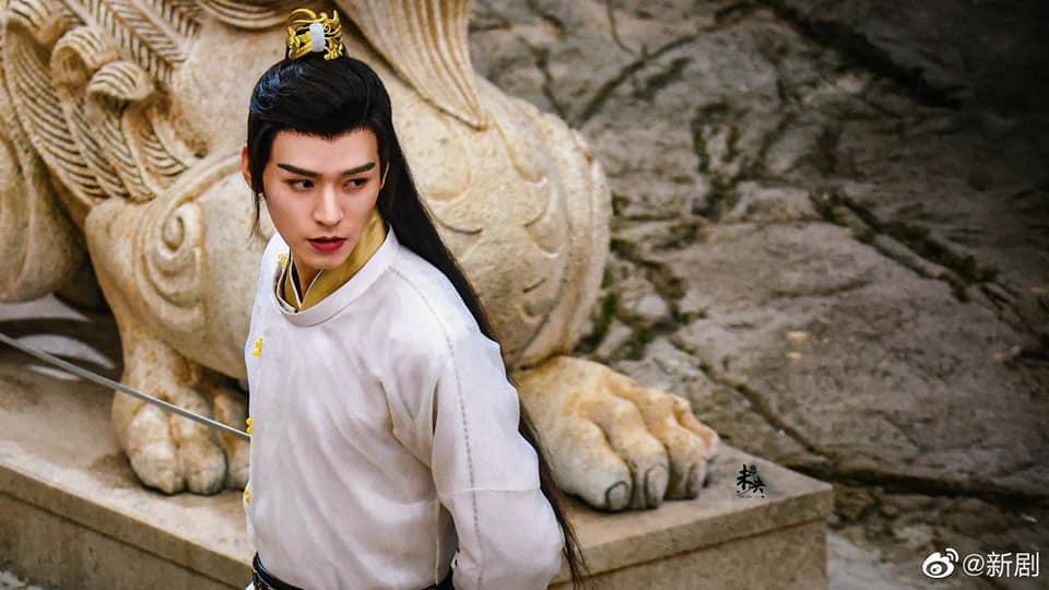 Địch Lệ Nhiệt Ba hóa 'cụ tổ', Cung Tuấn khoe góc nghiêng 'hết nước chấm' trong An Lạc Truyện 5