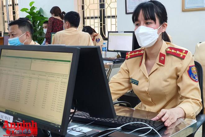 Phòng CSGT đã cấp hơn 20.000 giấy đi đường 1