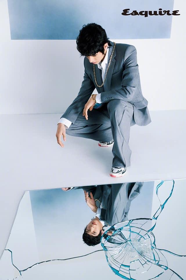 Cnet 'khóc tiếng mán' trước tạo hình 'xấu đau đớn' của Cung Tuấn trên bìa Esquire: Nói phèn lại tự ái? 8