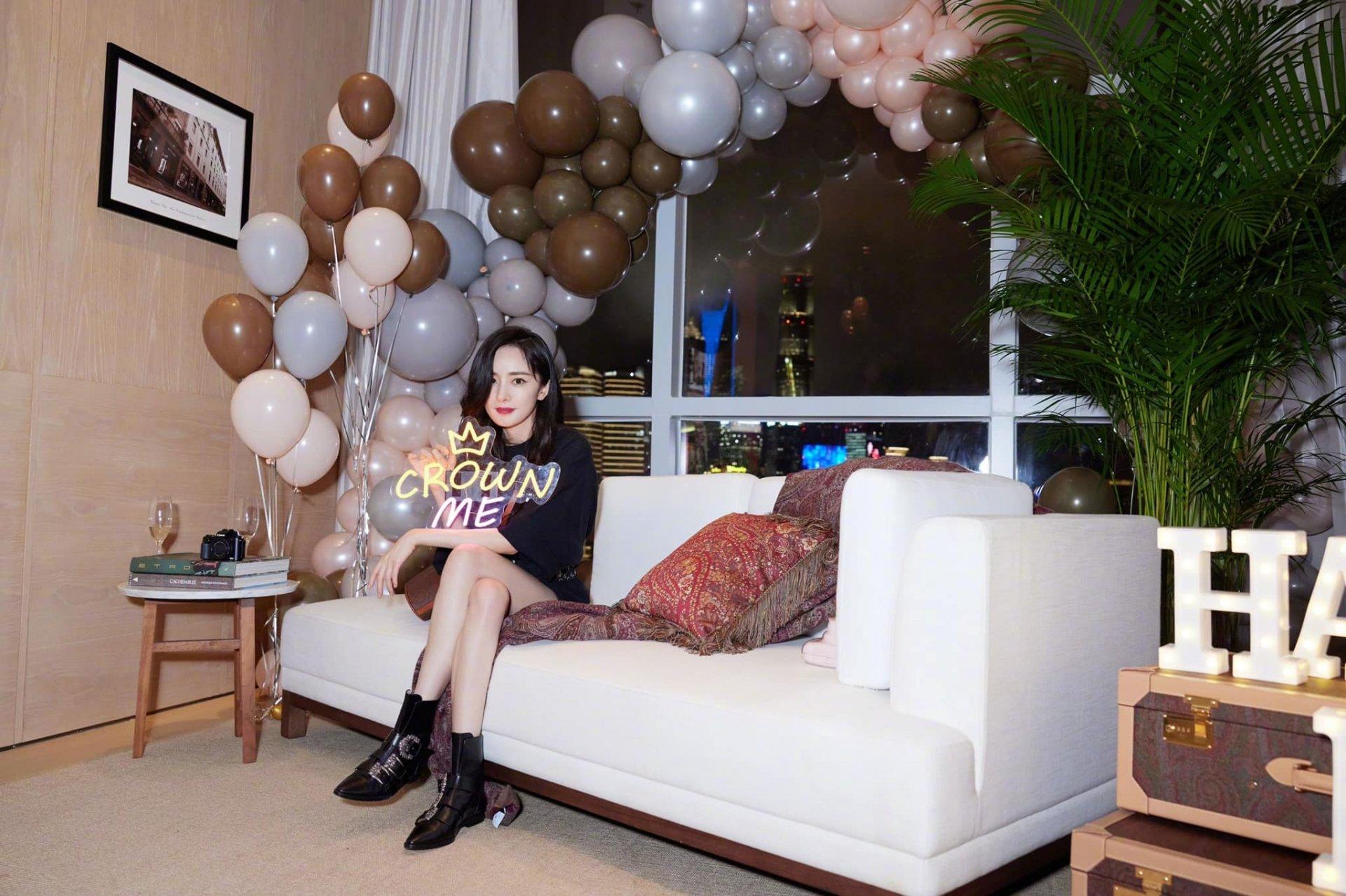 Sinh nhật tuổi 35 của Dương Mịch: Người hồ hởi chúc mừng, kẻ nhân cơ hội 'bỉ bôi', chồng cũ hóa người dưng 3