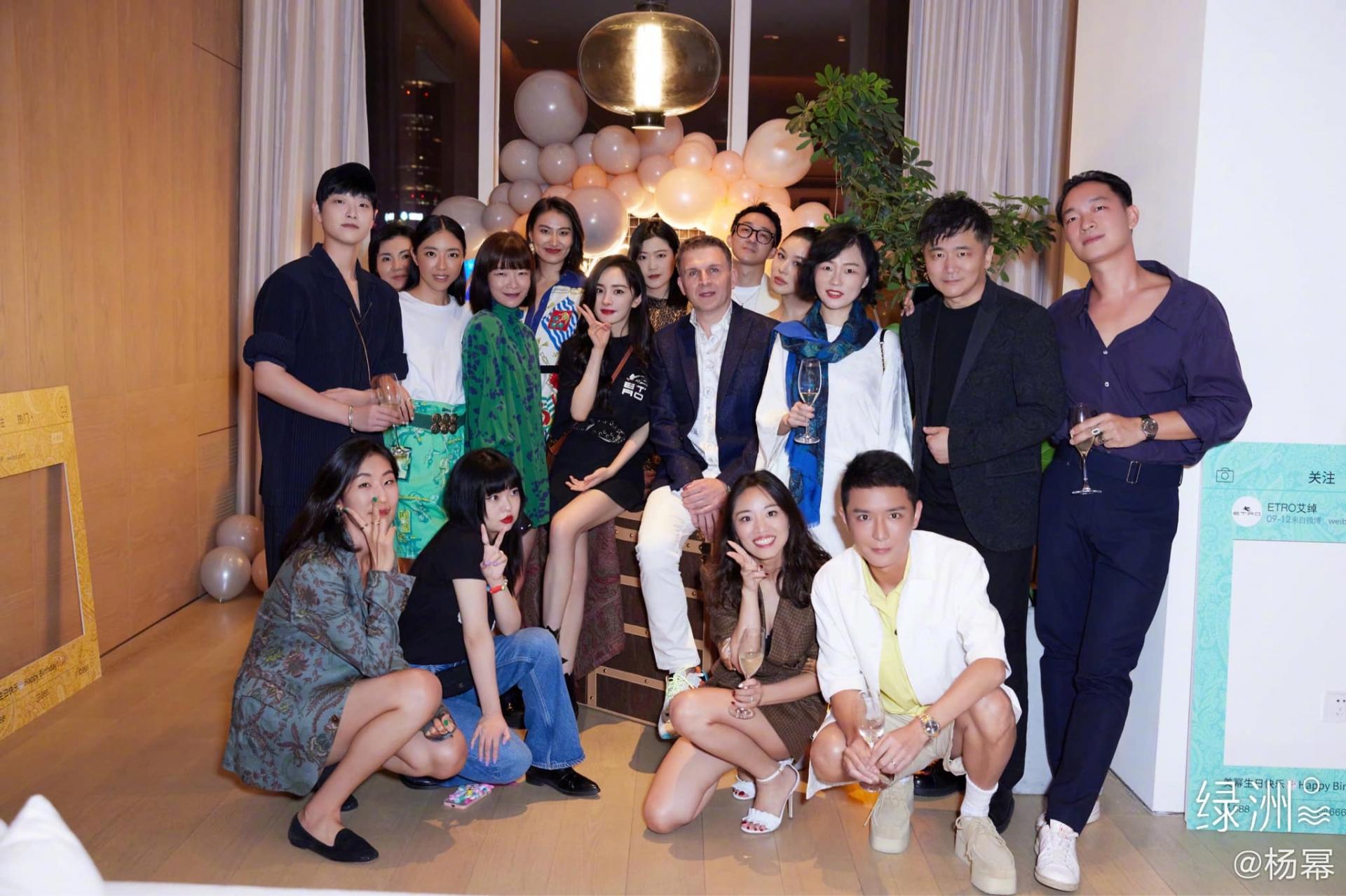 Sinh nhật tuổi 35 của Dương Mịch: Người hồ hởi chúc mừng, kẻ nhân cơ hội 'bỉ bôi', chồng cũ hóa người dưng 1